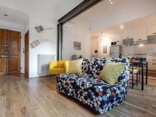 Hardwood flooring, wood doors & windows contribute to a  warm, comfortable yet elegant atmosphere