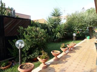 Room in villa with swimming pool, Carini
