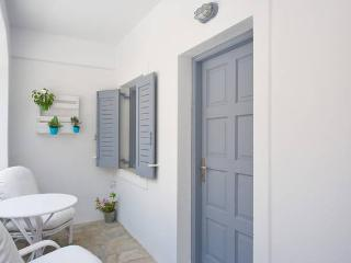 21 Studio Ancient Thira view in Kamari beach