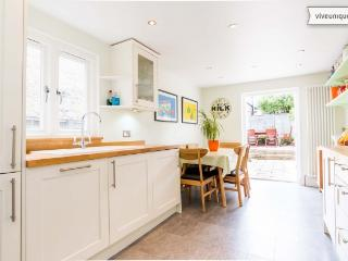Family 4 bed in welcoming Wandsworth, London