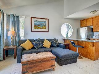 Dog-friendly townhome with a balcony and nearby beach access!, San Diego