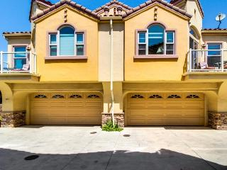 Two oceanview townhomes downtown, steps to the beach!, Pismo Beach