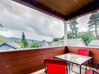 Modern townhome with deck, views of Mt. Hood - walk downtown!