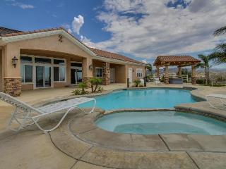 Luxurious, dog-friendly, hilltop Temecula studio w/ shared pool, hot tub, views!