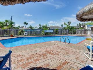 Beachfront condo w/amazing views, shared pool, & more - dog-friendly, too!