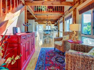 Post-and-beam home near beach with modern conveniences & high-end furnishings