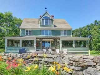 Stunning home overlooking a marsh, tidal river, and ocean!, Kennebunkport