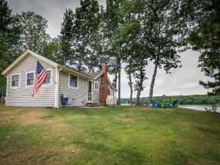 Wicked cute Camden-area cabin w/ dock and fireplace, Appleton