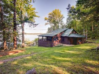 Lake Champlain cottage with rustic charm and private dock, South Hero
