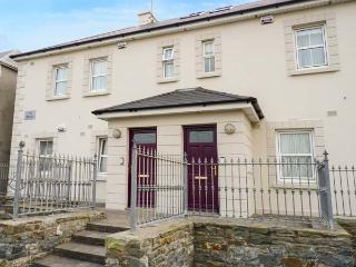 THE SEXTANT, apartment, two floors, balcony, in Kilkee, Ref 929082