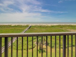 Beach, pool, & tennis access in oceanfront deluxe condo!