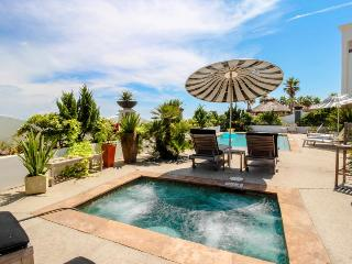Colorful, oceanfront condo w/ shared pool & hot tub - Dogs OK!