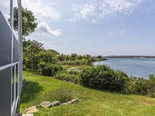 DIETR - Menemsha Pond Waterfront, Mooring, Wifi, Central A/C, Chilmark