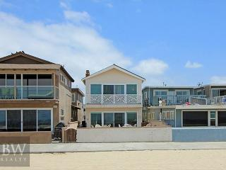 Best Oceanfront Deal in Newport! Fantastic Views & Huge Patio! (68146), Newport Beach