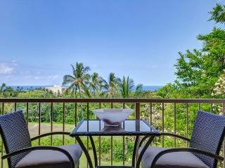 Punahele A301- Updated with professiona interior decor with spectacular view!, Kailua-Kona