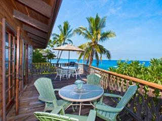 Oceanfront Vintage Hawaiian Island Home, Spectacular Ocean and Sunset Views