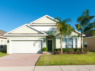 4 Bedroom Pool Home with 2 Master En-Suits *218, Orlando