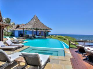 Increible Beachfront Beauty 6 Bedrooms