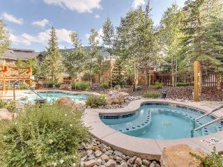 Warm and welcoming condo with access to shared pools, hot tubs, and saunas, Copper Mountain