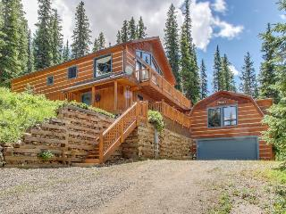 Magnificent log home w/views of Quandary Peak from inside & outside!, Breckenridge