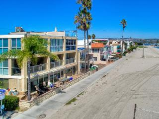 2 WATERFRONT Homes 6br+5.5ba in Mission Beach!!!, San Diego