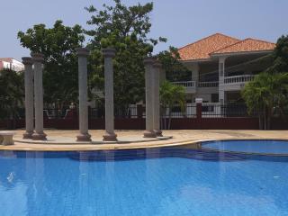 TROPICAL VILLA 'CHOCK DEE' - 3 BEDS, Pattaya