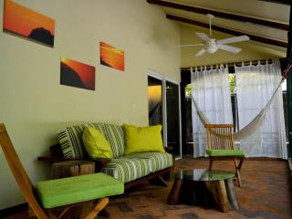 Very Private: La Casita, Playa Hermosa, Guanacaste