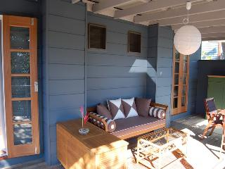 Kookaburra Beach Cottage on Tallow Beach, Suffolk-Park