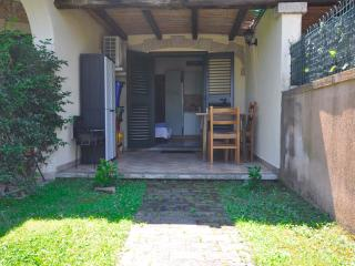 """Little Villa"",100 meters from the beach, A/C, Budoni"