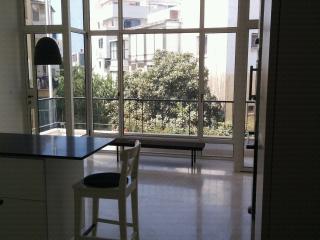"A charming  new ""retro"" style central apartment, Tel Aviv"