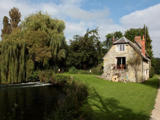 Dinton Mill Cottage located in Salisbury, Wiltshire