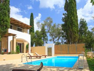 Villa Haris private property with pool close to Corfu Town