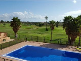 2 bed apartment, pool,golf and sea views