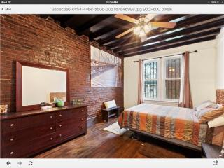 'Brooklyn Bridge Room and a Half