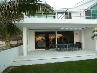 Beach Front Villa, Cancun