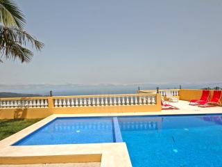 Villa Saint Petersburg with privated heated pool