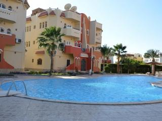 apartments with pool in resort max 30 persons, Hurghada