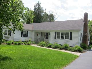 Comfy, Quiet Village Home, Chestertown