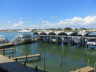 COME WATCH THE DOLPHINS PLAY AT JUBILEE LANDING-ORANGE BEACH-FALL SPECIALS