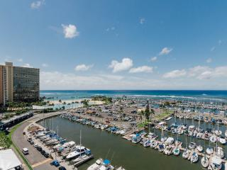 ilikai Marina #1382-Absolutely Oceanfront-Wow-$220, Honolulu