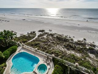 Luxury Beachfront Palazzo - Gulf-Front - Pool, Indian Rocks Beach
