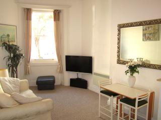 Brunswick Apartment, two bedroom,ground floor, Brighton