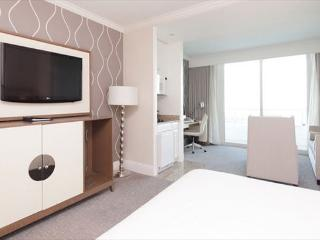 Fontainebleau Tresor Jr Suite with Beautiful Bay Views- 16