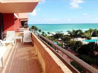 Oceanfront 5 Bedroom Sleeps 15 Panoramic Ocean views Miami Beach