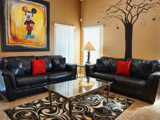 Kids love this house...wifi, pool home near Disney, Davenport