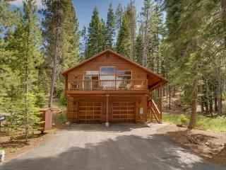Close to Truckee attractions; large deck, fireplace