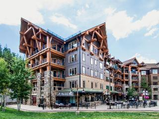 Ski-in/out condo in Northstar w/pool & hot tub, Truckee