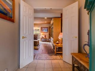 Spacious, dog-friendly retreat, right across the street from Lake Tahoe!, Carnelian Bay