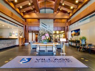 In-home & resort amenities galore; hot tubs, firepit, ski in / ski out & more, Lake Tahoe (California)