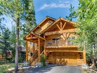 Home w/ private hot tub and shared pools, saunas, tennis & more!